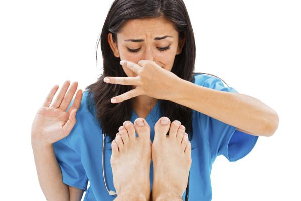 20 Home Remedies For Stinky Feet